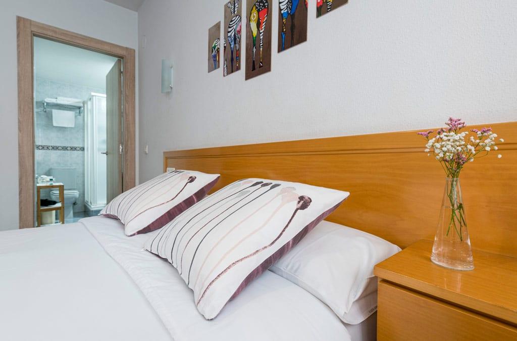 Habitacion matrimonial reformadas en Hotel Costa Verde